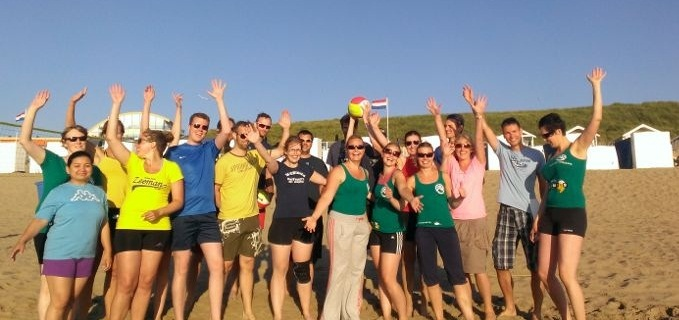 Beachvolleybal met picknick